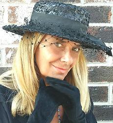 Diane Hanna Headshot.jpg