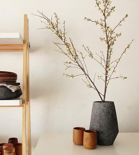 Muna flower vase