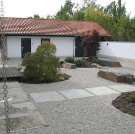 Granitplatten & Zierkies.JPG