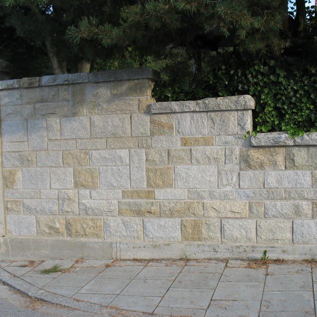 Granitmauer gelb & grau.jpg