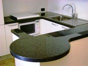Küchenarbeitsplatte_Nero_Impala.jpg