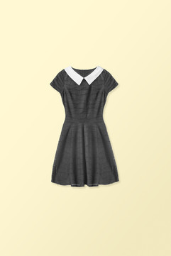 Vestido preto com colarinho branco