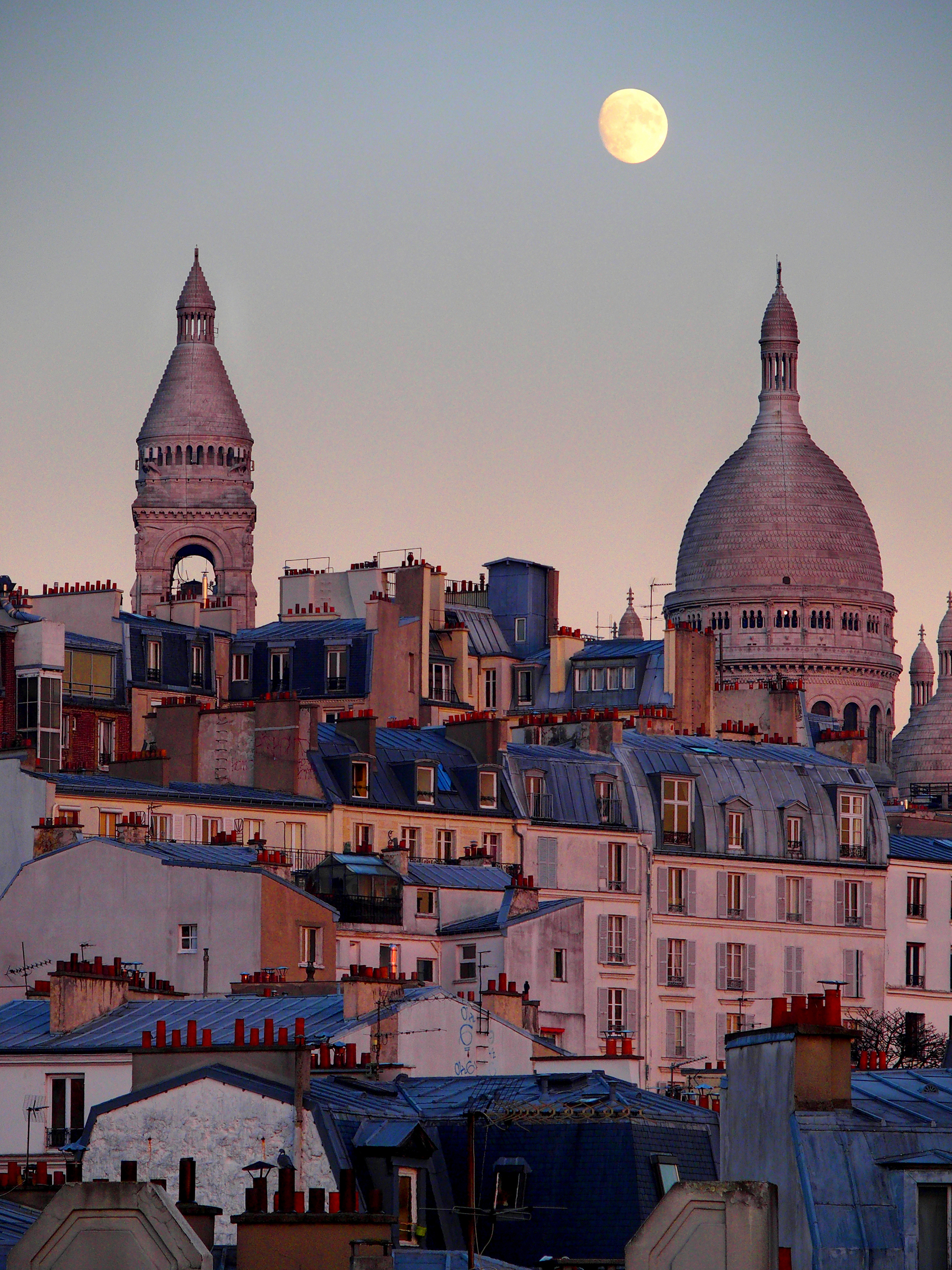 Sacré Coeur at dawn