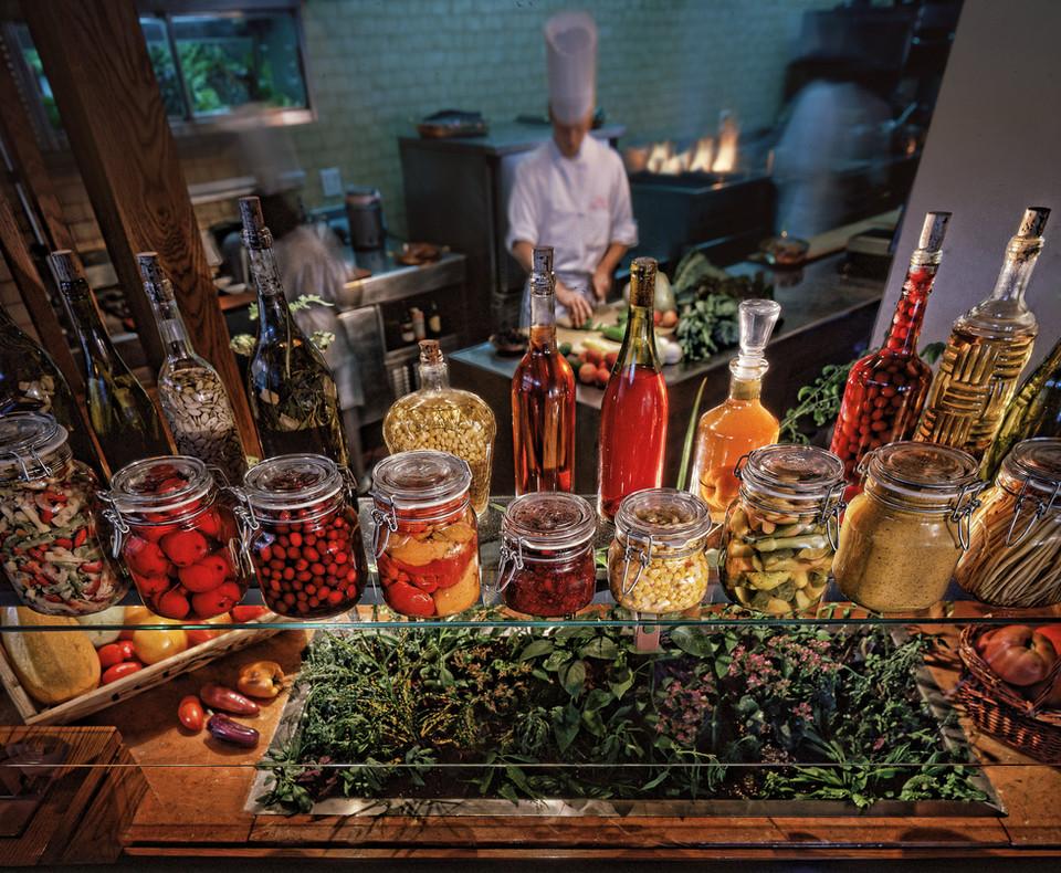 Salad bar Bill Crofton c.jpg