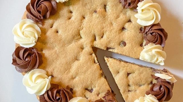 """Cookie Love"" Cookie Cake"