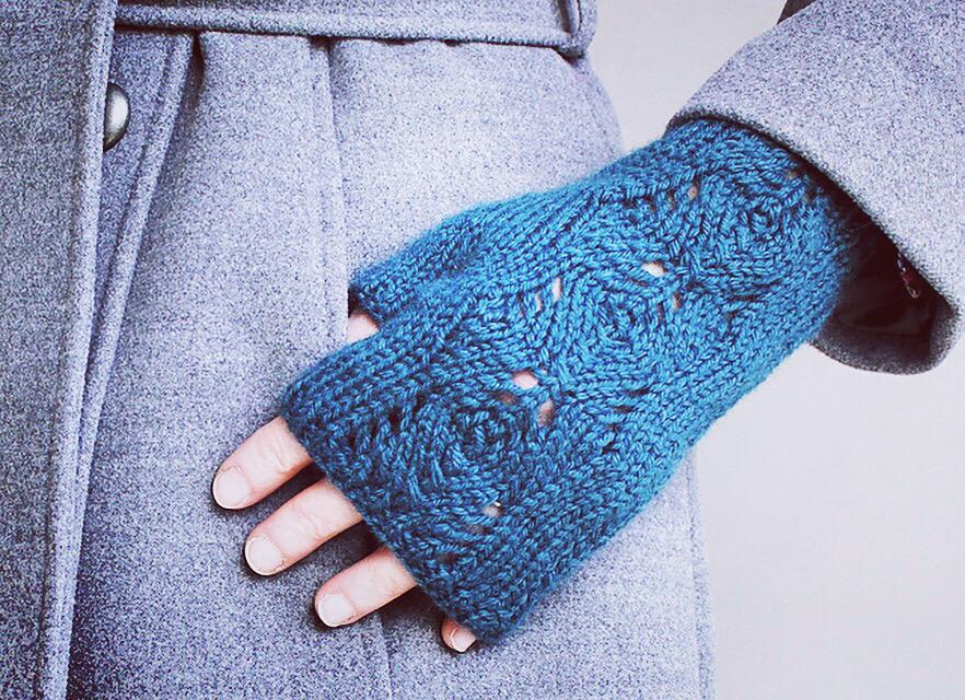 Scots Pine Gloves