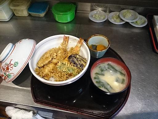 天丼  1300円 カツ丼1000円 器代、税金別