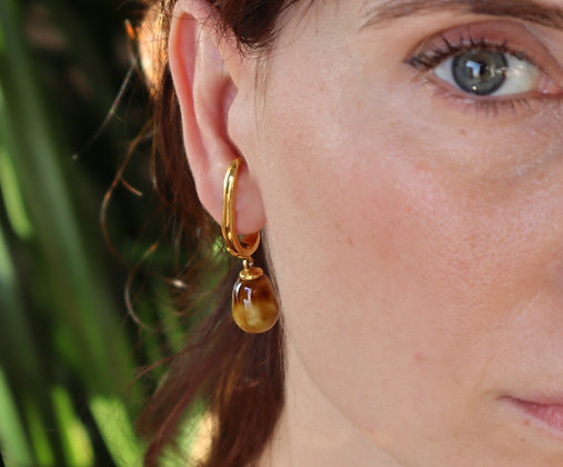 Fluid hook earrings with saffron drops