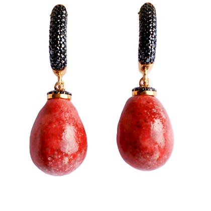 Alter  black little earrings with coral drops