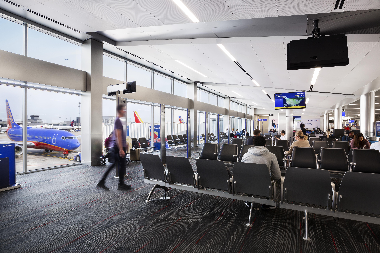 AtlantaAirport_04.17.19_0568_people
