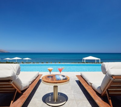7.2-Sea-Front-Junior-Suite-Direct-Pool-T
