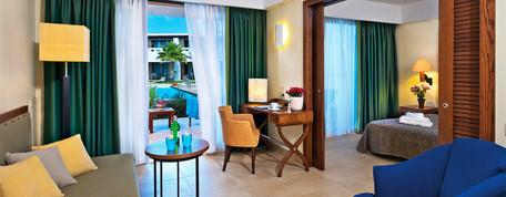 Deluxe-Superior-Suite-Interior-1.jpg
