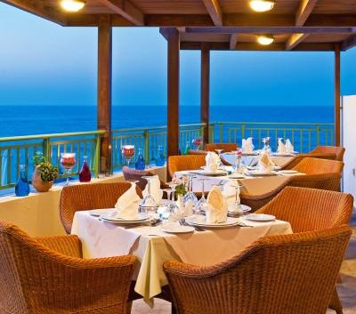 Azzurro-Restaurant-2-400x400.jpg