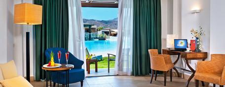 Deluxe-Sea-View-Junior-Suite-Terrace.jpg