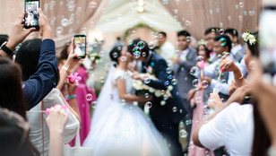 """What is an """"Unplugged Wedding"""" and why you should Consider having one?"""