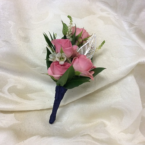 b2 spray rose boutonniere with satin ribbon