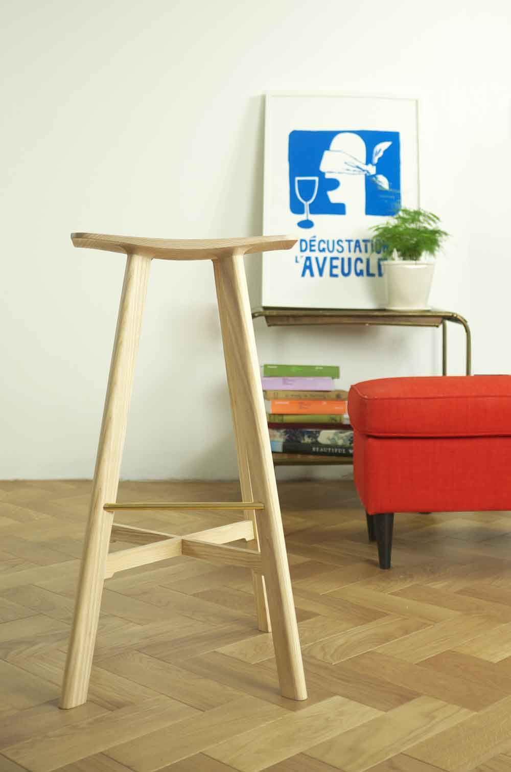 le2 winged bar stool ash / ash