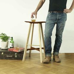 le2 winged bar stool ash / walnut
