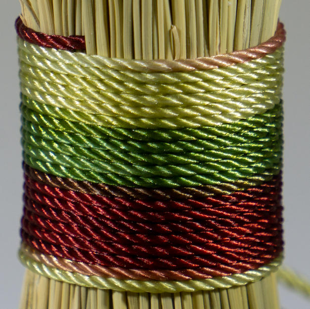 Varigated Burgandy green straw