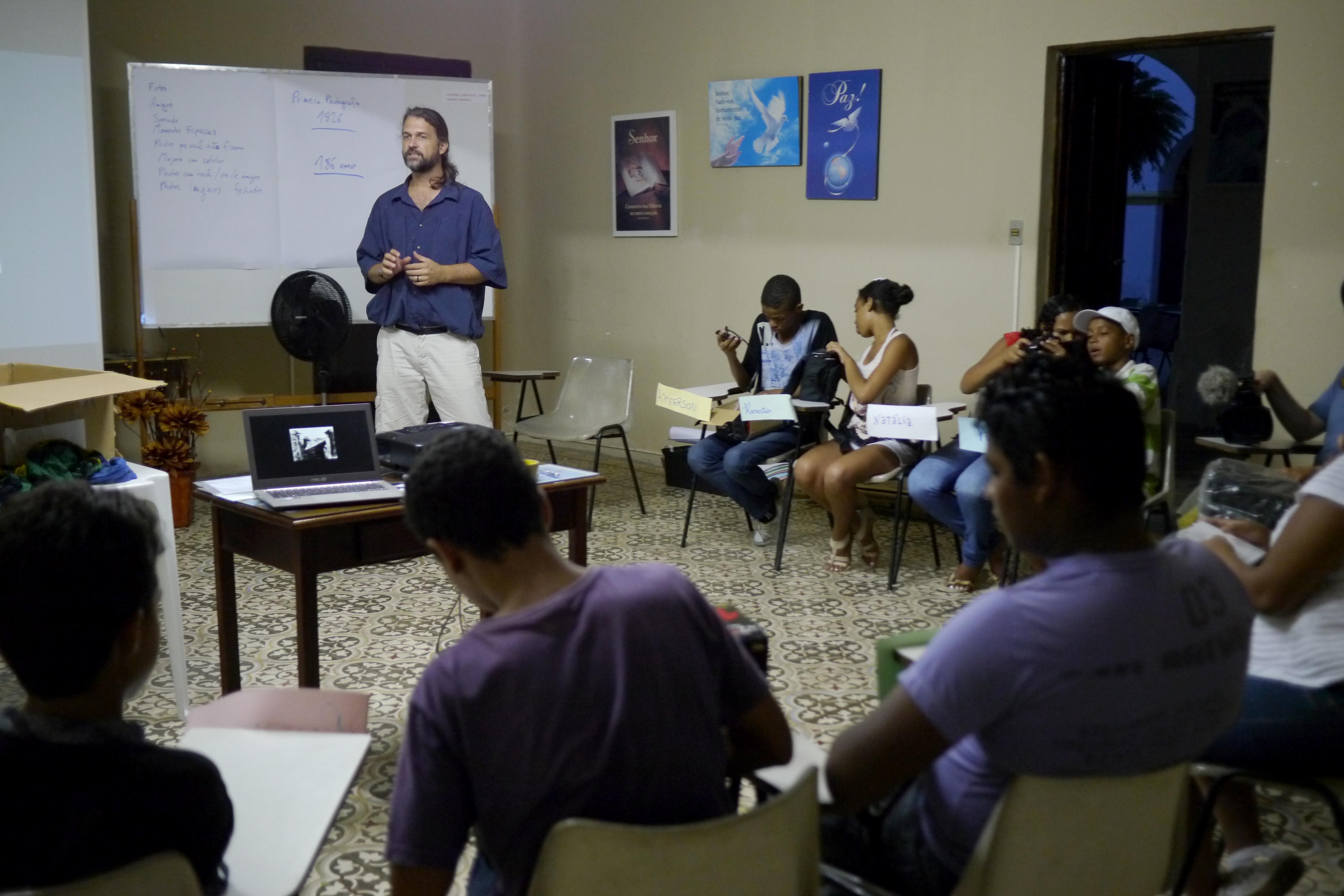 Joa Merklein von Caritas Brasilien leitet die Organisation des Prjektes vor Ort. Foto Marco Keller