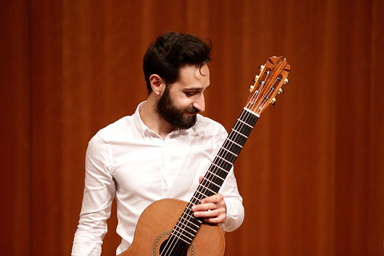 Armen Doneyan, guitare
