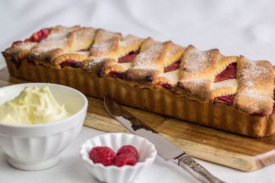 Raspberry and Apple Pie for take-away