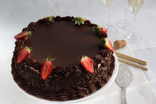 Celebration Cakes Chocolate Ganache Tort