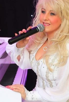 Dolly Parton tribute Celebrating Dolly