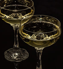 champagne-glasses-1940260.jpg
