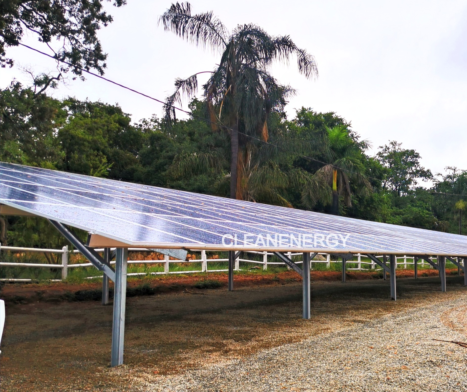 Solar%20panel%20battery%20installation%2