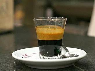Caffe' al vetro