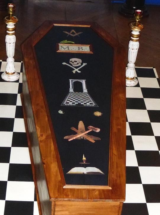 Cercueil Maîtrise - largeur 70cm, longueur 190cm, hauteur 45cm, personnalisable sur demande