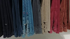 как гладить велюровые брюки