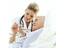 нянять сиделку с медицинским образованием