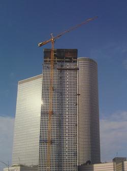 Tower cranes, the Shalom Center TLV