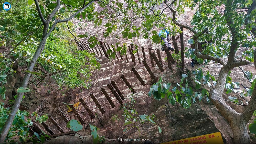 Escadaria suspensa - Morro do Padre