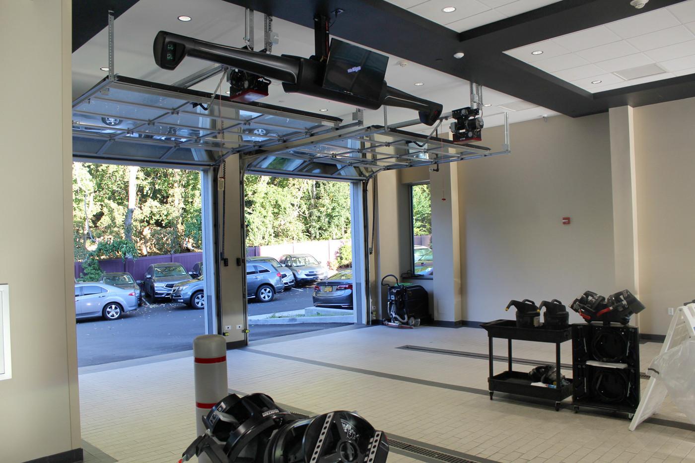 Curry Acura Service Garage