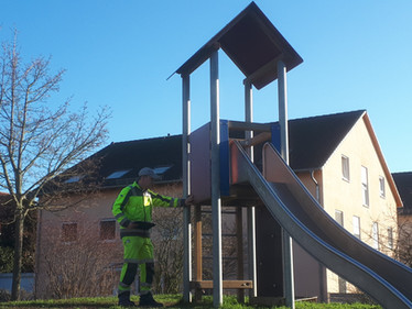 Mobile Spielplatzkontrolle in der Stadt Lorsch