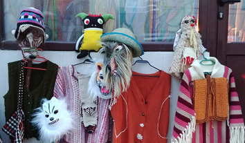 Festivaaliasuja, naamareita • Festval outfits and masks
