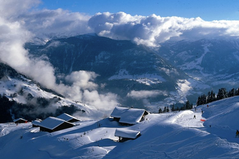Näkymä Churd de Beurren hiihtohissistä  View from skilift from Churd de Beurre.
