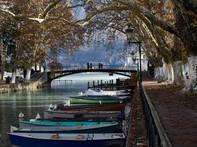 Annecy kanava silta puut.jpg