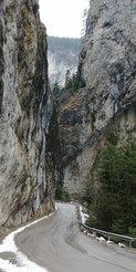 Sola Paholaisen kita -luolastoon • A gorge to the Devil's throar caves
