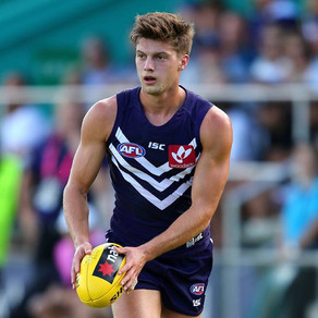 Tucker signs on with Dockers