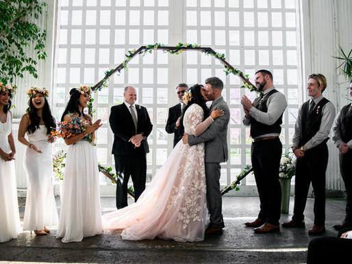 Trauzeugen vs. Brautjungfern: Aufgaben und Unterschiede