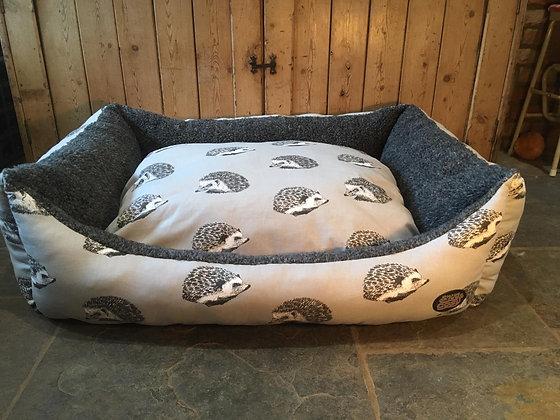 """Snug & Cosy 42"""" Grey Hedgehog Bed"""