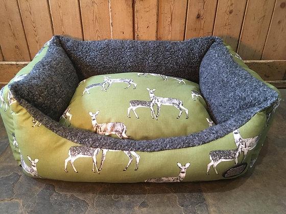 "Snug & Cosy 30"" Sage Deer Bed"