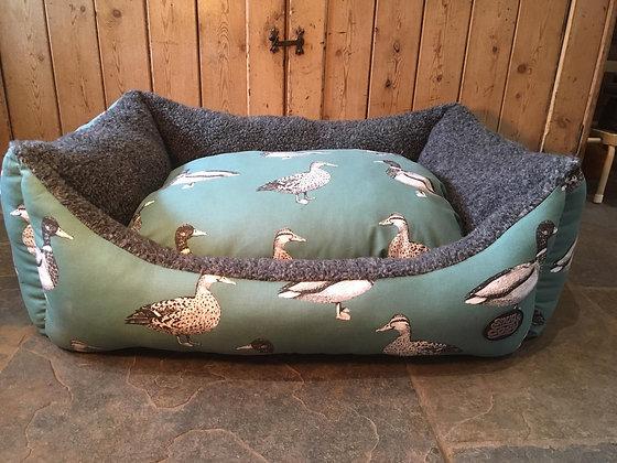 "Snug & Cosy 36"" Teal Duck Bed"