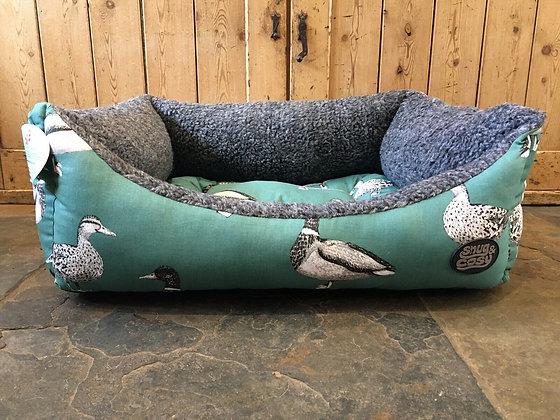 "Snug & Cosy 30"" - 76cm Medium Dog Bed. Teal Duck."