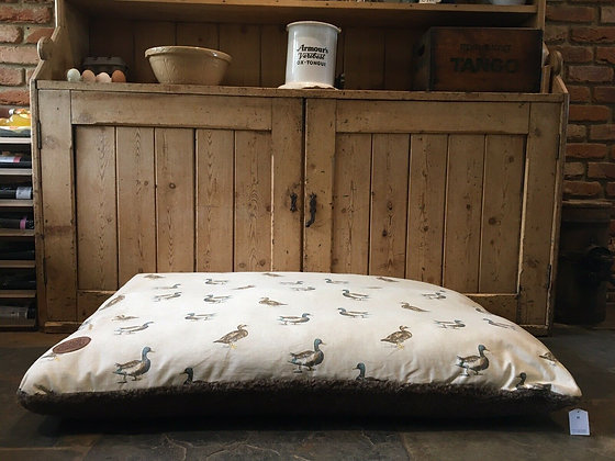 Snug & Cosy 120 x 70cm Large Dog Bed Cushion. Duck.