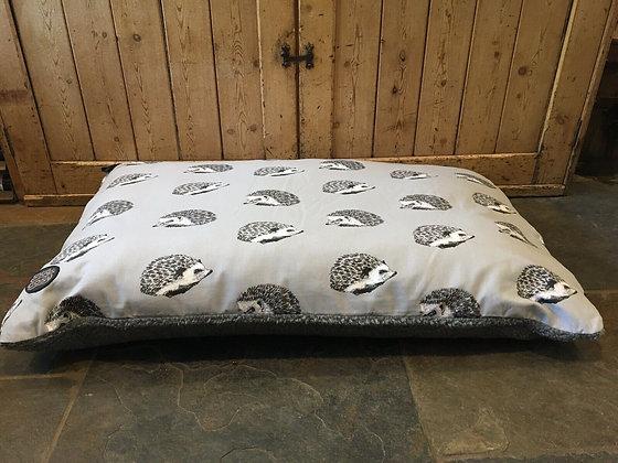 Snug & Cosy 120 x 70cm Large Dog Cushion Bed. Grey Hedgehog.